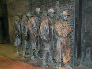 Unemployed men during great depression